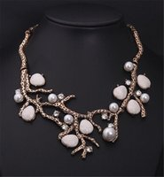 Style de mode euro-américain Gold Color Vintage Custom Jewelry Pearl Branch Spray Statement Colliers Pendant Costume Jewelry Wholesale