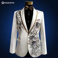 ingrosso vestito medioevale-All'ingrosso- Plus Size alta qualità Vintage Medieval White Ricamato con diamanti cantante performance teatrale Suit Blazer Costumi S-3XL
