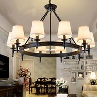 lamparas america al por mayor-Colgante de luz Luces colgantes de la sala de estar del campo de América Lámparas de araña de cristal Sencilla sala de estudio Comedor de hierro de hierro