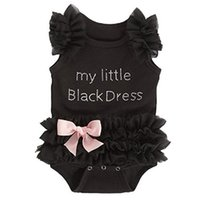 küçük kızlar için siyah elbiseler toptan satış-Yenidoğan Bebek Kız Bodysuits Moda Işlemeli Dantel Benim Küçük Siyah Elbise Mektuplar Bebek Bebek Bodysuit Tulum