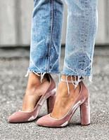 rosa block ferse schuhe großhandel-Elegante rosa Femme Talon neue Designer Knöchel Schnalle Pumps Block High Heels Kleid Schuhe Frau Wrap Around Samt Pumps