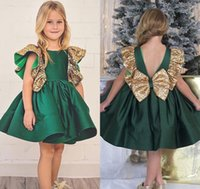Beauty Green Satin Girl's Pageant Dresses 2017 Cute Bateau Neck V Back Ruffle Skirts Принцесса Цветочные девушки Платья с луком Custom