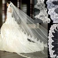 dantel manto tarağı toptan satış-3 Metre Beyaz Fildişi Katedrali Düğün Veils Tarak ile Uzun Dantel Kenar Gelin Peçe Düğün Aksesuarları Gelin Mantilla Düğün Peçe
