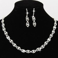 brincos de cristal da dama de honra venda por atacado-2019 Que Bling Cristal Nupcial Conjunto de Jóias de Prata Banhado A Colar de Diamantes Brincos Conjuntos de Jóias de Casamento para a Noiva Acessórios Da Dama De Honra CPA796