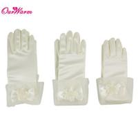 ade80c9f89fad4 weiße handschuhe für kinder großhandel-Satin Short Full Finger Handschuhe  Hochzeit Blumen Mädchen Handschuhe Kinder