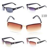 ingrosso la maggior parte degli occhiali da sole-Gli uomini più popolari Gli occhiali da sole di stile classico di plastica degli occhiali da sole della spiaggia moderna più conveniente modellano i colori per scegliere i vetri di Sun.