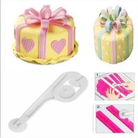 Atacado- Novo plástico DIY Wheel Cutter Cake Fondant Sugar Craft Moldes Decorando Embosser Paste Tools For Kitchen Baking Supplies