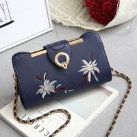 Wholesale Cosmetic Bag Pockets Patterns - Contracted and restoring ancient ways ladie's Single shoulder bag Fashion cross-body bag Flower pattern Cosmetic bag