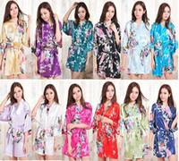 seda natural para la venta al por mayor-Venta caliente Seda Satén Boda Novia Traje de dama de honor Corto Kimono Noche Toga Floral Albornoz Peignoir Femme Bata de moda para mujeres