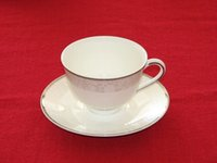 Wholesale Colored bone China pocelain Coffee cup with tray Mug drinkware British European ceramic saucer