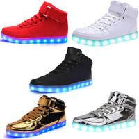 zapatillas brillantes para adultos al por mayor-Unisex de carga USB High Top LED Light Shoes 7 colores intermitentes ocasionales que brillan intensamente iluminan los zapatos para adultos zapatillas de deporte luminosas para hombres y mujeres