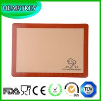 Wholesale 16 x11 inch x29 cm Silicone Baking Mat For Half Size Cookie Sheet With Red Border Custom Logo