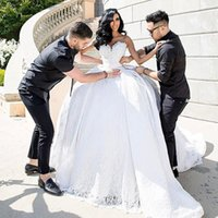 Wholesale lovely bride - 2017 African Wedding Dresses With Sweetheart Neckline Lace Princess Lovely Bride Bridal Wedding Gowns With Train