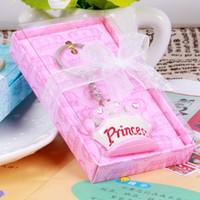 douche nuptiale rose bleu achat en gros de-100 pcs Rose Princesse Bleu Prince Couronne Conception Porte-clés Nuptiale De Mariage Bébé Douche Faveur Cadeaux Porte-clés Cadeau De Noël