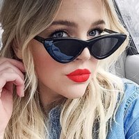 Las mujeres populares Cat Eye Sunglasses Moda Ladies Red Frame Tinted / Clear Lens Shades UV400