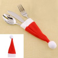 Vente en gros-Red Santa Hat Noël Fork Sacs Vaisselle Silverware Titulaires Pocket Dinner Home Décoration de table * Articles de Noël
