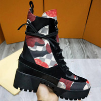 Wholesale Media Choice - 2017 new fashion, high quality choice lace boots, high quality leather and heavy sole, Martin boots