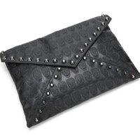 Wholesale Clutch Skull Messenger - Hot Sales Lady Fashion Bag Elegant Rivets Skull Envelope Bags Retro Lady Casual Messenger Bags Girl's Handbag Clutch Bags Woman Handbag H077