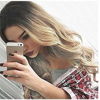 Synthétique Body Wave Hair Perruques Ombre Blonde Long Perruques Pour Femmes Résistant à la chaleur Hot Sale Sexy Wavy Synthetic Fake Hair Wig