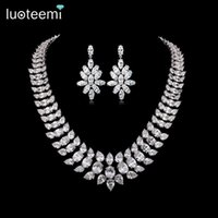 LUOTEEMI Brand Charm Elegant Women AAA CZ Big Waterdrop Necklace Earrinngs Набор для свадебных ювелирных изделий из белого золота Gold-Color Party Gift Access