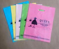roupas de plástico para meninas venda por atacado-100 pcs 25 * 35 cm Sacos De Plástico com o Logotipo Da RAINHA Da Moda Jóias Maquiagem Sapato Roupa Interior Chapéu Roupas de Embalagem de Presente Bolsas saco de plástico Meninas.