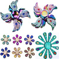 Яркий красочный Fidget Spinner Rhinestone Diamond Angel Wings Снежинка с павлиньим сплавом Fingertips Gyro Decompression Creative Toy