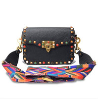 Estilo étnico Vintage Womens Shoulder Bags Diamante Rivet Patchwork Lady All-match Bady Cross Bags Colorido malha Wide Straps Shoulder Bags