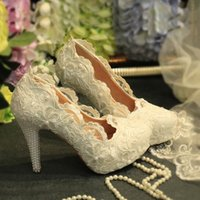 Wholesale Custom Made Heels For Women - Cheap Lace Wedding Shoes Exquisite 3D-Floral Appliques Pearls 2017 White Custom Made High Heel Pumps For Women Bridal Accessories Gown