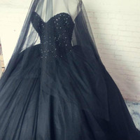 Gothic Black Prom Masquerade ball Gowns Полностью вышитый бисером Puffy Tulle Vintage Quinceanera Платья для Хэллоуина 2017 Реальное фото