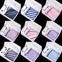 marineblau krawatte großhandel-Krawatte Hot Fashion Krawatte Mens Classic Krawatten formale Hochzeit Business Navy blau grau schwarz Krawatte für Männer Zubehör Krawatte + Taschentuch + Manschettenknöpfe