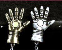 llaveros únicos para hombre. al por mayor-Conoce Cute New Super Hero Iron Man Charms en forma de mano Llaveros Joyería de moda única Mejor regalo para fanáticos de dibujos animados de películas