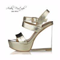 sandales compensées argentées achat en gros de-Nouveau 2017 chaussures d'été pour femme plate-forme 13cm en cuir véritable or argent décontracté talons hauts sandales cristal coins talons boucle