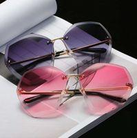 Wholesale Red Angle Eyes - Hot style women's square cut edge diamond Angle sunglasses new European and European fashion Marine lens sunglasses Wholesale sales