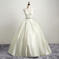 vestido de princesa bowknot sash venda por atacado-Scoop Cap manga frisado Lace vestido de casamento vestidos com cristal Bowknot Sash Princesa Vestido Noiva