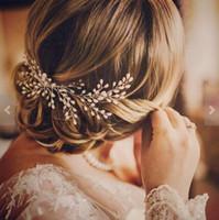inci düğün saç tarağı toptan satış-Romantik Fildişi İnci Gelin Saç Tarak Düğün Saç Aksesuarları Gelin Saç Vine Tiaras Bohemian Inci Kafa parçası