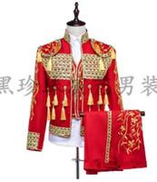korece erkek giyim stilleri toptan satış-Kırmızı erkekler suits tasarımlar masculino homme terno şarkıcılar için sahne kostümleri erkekler pullu blazer dans elbise ceket tarzı elbise korean
