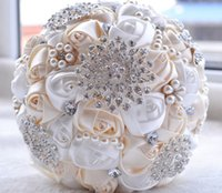 bouquet de boda marfil en stock preciosas flores de cuentas de cristal rosa de dama de honor artificial perlas bouquets de novia