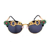 Wholesale Rhinestone Designer Sunglasses - 2017 Crystal Round Rhinestone Sunglasses women Brand Designer Summer Luxury Crystal Ladies sunglasses For Summer
