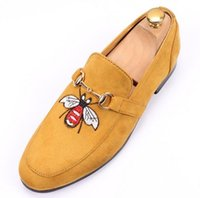 Wholesale Wedding Dresses Styles For Men - 2017 New arrival men's Velvet Loafers Party wedding Shoes Europe Style Gold Embroidered Velvet Slippers Driving moccasins for Men AXX257