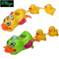 Grossiste-Universal Music Electric Mère Canard Grand Canard Lovely Glow Can Sing Luminous Toy PC0243