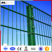 Wholesale Hot Sale PVC Coated Welded Wire Mesh Fence Garden Fence Wire Mesh Fence