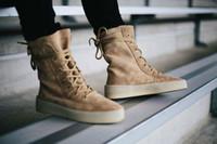 siyah dantel ayakkabıları çizme erkekler toptan satış-Chaussure Homme Yeni Süperstar Tasarımcı Kanye West Ayakkabı Erkekler Askeri Krep Çizmeler Siyah Kahverengi Taktik Düz Çizme Lace Up Sonbahar Ayak Bileği Patik