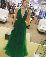 ingrosso vestiti di scollo profondo verde v-2017 Sexy Scollo a V verde Tulle lungo Prom Dresses Halter Beaded Neckline Backless Una linea floor-lunghezza abiti da sera