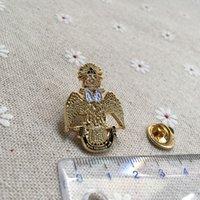 broches de búhos al por mayor-10 unids / lote mampostería masonería pin de solapa chapado en oro de calidad Deus Meumque Jus 33a corona búho masónico broches y pasadores Badge h014