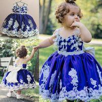 königsblaue satinschärpen großhandel-Royal Blue erste Kommunion Kleider Kleinkinder Appliques Sash rückenfreie Blumen Mädchen Kleider für Hochzeiten zurück Lace Up Bow Mädchen Festzug Kleid