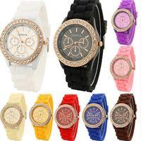 diamantes relógio de ouro quartzo genebra venda por atacado-Vestido de moda Assista Rose Gold Genebra Silicone Relógios Diamante Genebra Quartz Relógio de Pulso para Mulheres Dos Homens de Borracha relógio de Pulso Banda