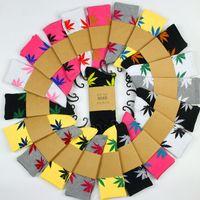 fedex socken großhandel-33Colors Weihnachten plantlife Socken für Männer Frauen Qualitätsbaumwollsocken skateboard hiphop Ahornblatt Sportsocken Großverkauf Freies DHL Fedex