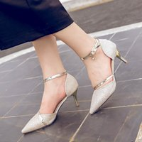 Zapatos de mujer de lujo Bling Buckle Pumps Tacones altos Sandalias punta Toe metal deco Slides Gold Sliver