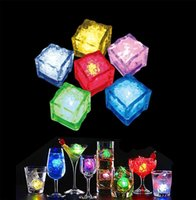 LED Ice Cubes Cor Changing Light Multicolor Decorativo LED Flash Light Sensor Líquido Submersível LED Glow Light para Casamento Party Bar Club
