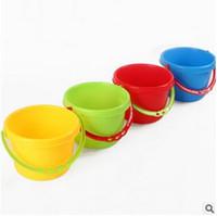 mini su kovası toptan satış-4 Renkler Anaokulu Çocuklar için Su Kova Oyuncak Plaj Kova Bebek Gıda Sınıfı PP Toldders Kum Paly Su Eğlenceli Mini Kova CCA5948 500 adet